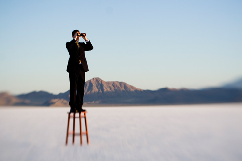 Photo of man on stool ©istockphoto.com /RichVintage